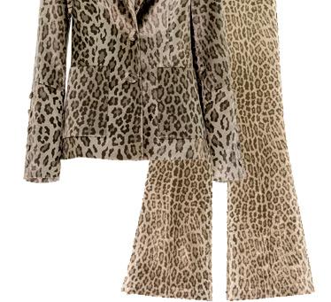 Un tailleur femme leopard